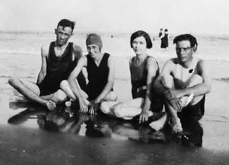 Vacationing in Galveston Texas around 1925; the Crims and Hutchisons